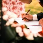 7割の人が高いと感じている「結婚式のお祝儀」について思うこと